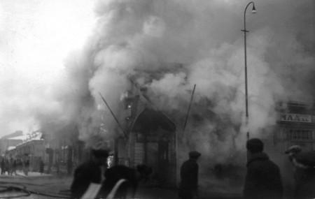 Keskimaa palaa 17.11.1932. Kuva Keski-Suomen museo.